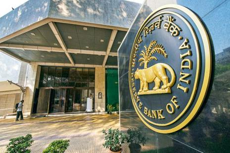 Indian banks are sitting on a stressed asset pile of more than Rs10 trillion, of which gross bad loans accounted for Rs8.29 trillion at the end of the June quarter. The rest are restructured loans.  Photo: Aniruddha Chowdhury/Mint