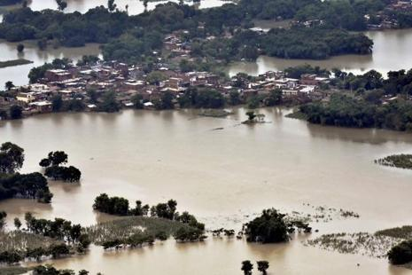 An aerial view of a flood-hit area at Bal Bal in Betiah in West Chaparan, Bihar on Friday. Photo: PTI