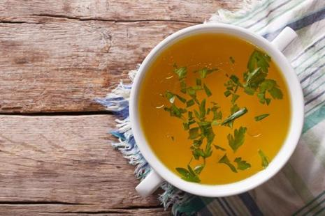 Chicken broth is good for gut health. Photo: iStockphoto
