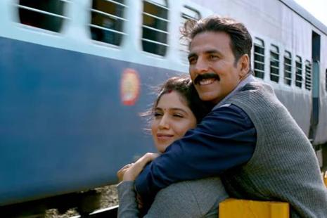 Akshay Kumar and Bhumi Pednekar in a still from 'Toilet: Ek Prem Katha'.
