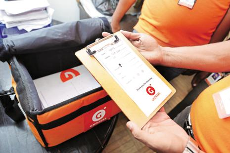 Online grocery firm Grofers, over the last year, spent $30 million towards supply chain, technology and warehousing in a bid to close in on BigBasket and defend its turf from Amazon Now. Photo: Ramesh Pathania/Mint
