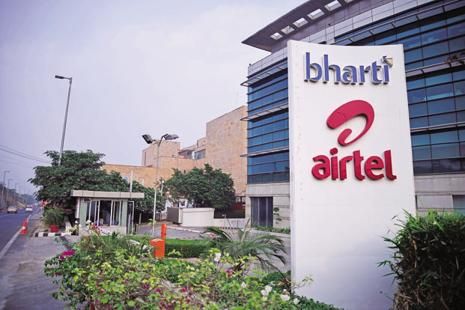 Airtel was able to maintain its market share at 29.61% as of last month compared to 29.62% as of June this year. Photo: Pradeep Gaur/Mint