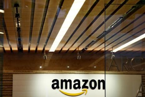 Amazon will gain access to the $800 billion grocery industry with Whole Foods, which has 460 stores and a fresh-food distribution network. Photo: Reuters