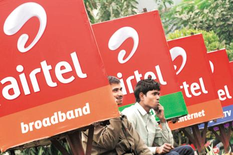 The move essentially means Airtel would not be able to, in the interim, carry out 'electronic-verification' or link mobile SIMs of its customers with their Aadhaar though the efficient and paperless eKYC process of UIDAI. Photo: Reuters
