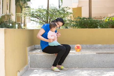 Anushka Nunes with her 10-month-old daughter. Photo: Sameep Singh