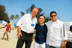 Strike a pose: (from left) Donald Gunn, author of 'Gunn Report', Thirasak Tanapatanakul, executive creative director of Creative Juice agency, and ad guru Prasoon Joshi at the Cavelossin Beach in Goa.