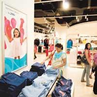 Retail haven: Reasonable prices at Reliance Trends are a crowd-puller