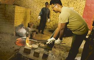 No heat: Sculptor Gagan Vij working with molten bronze. He says the market is getting better and, for artists, it will not make a difference whether the price of raw bronze goes up or down. (Harikrish