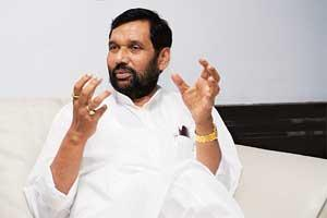 Spiralling costs: Chemicals and fertilizer minister Ram Vilas Paswan. (Photo: Madhu Kapparath/ Mint)