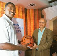 American basketball player Dominique Wilkins with TCS' Jayant Pendharkar at a New Delhi hotel on Friday (Photo by: Manoj Verma/ Mint)
