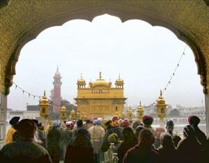 Interstate dispute: The Golden Temple in Amritsar. At present, the Shiromani Gurdwara Prabandhak Committee administers and manages gurdwaras in Punjab, Haryana, Himachal Pradesh and Chandigarh. (PTI)