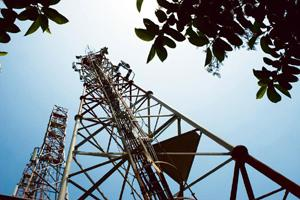 New connection: A mobile telecom tower. Swan Telecom has licences to provide mobile phone services in 10 out of 22 circles in India. Harikrishna Katragadda / Mint