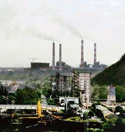 Funds shortage:The Singrauli super thermal power station in Sonbhadra, Uttar Pradesh. Indian power sector is facing a Rs4.51 trillion funding shortfall for its target of adding 78,577MW capacity by 20