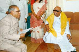 Mutual understanding: The Union government's envoy, external affairs minister Pranab Mukherjee, with Tamil Nadu chief minister M. Karunanidhi in Chennai on Sunday. PTI