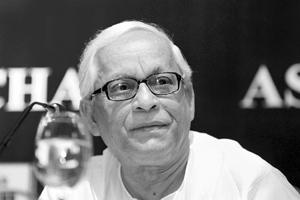 New proposals: Buddhadeb Bhattacharjee said on Sunday the government would soon be announcing a new project for Singur. Indranil Bhoumik / Mint