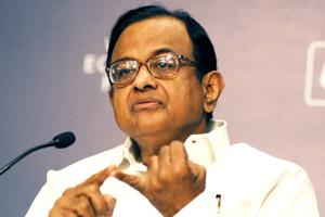 Finance Minister P. Chidambaram addressing industrialists at the Indian Economic Summit being organised by the World Economic Forum and the CII here. Harikrishna Katragadda / Mint