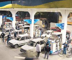 Welcome move? The Centre had raised domestic fuel prices in June with crude hovering at $123 then; it is down to about $50 a barrel now. Ramesh Pathania / Mint