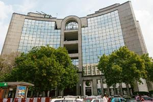 Lowered rating: The DLF Ltd office in New Delhi. Ramesh Pathania / Mint