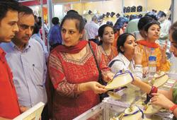 A jewellery shop in New Delhi. Retailers hope to end this fiscal with a 25-40% rise in sales. Sondeep Shankar / Bloomberg