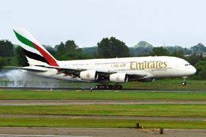 Final word: Emirates will continue paying 5% commission to agents. Jeremy Bales / Bloomberg