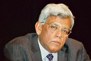 Bold step: HDFC chairman Deepak Parekh. The bank has also reduced its deposit rates by 50 basis points across all maturities. Santosh Verma / Bloomberg