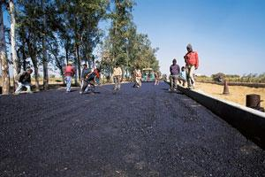 Legal battle: A file photo of a highway project. The Andhra Pradesh project ran into trouble after the shortlist of bidders was changed. Rajeev Dabral / Mint
