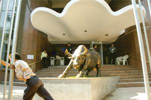 Bull run over? The BSE building in Mumbai. Ficci's Business Confidence Index fell to a seven-year low of 37.8 in Q2 FY09. Ashesh Shah / Mint