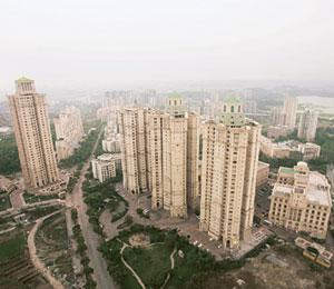 Ground reality: Hiranandani Gardens, a township in the Powai suburb of Mumbai. At Verona building in the township, the rent for a 1,700 sq. ft flat on company lease has been slashed from Rs2.25 lakh t