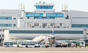 Expansion mode: The Chhatrapati Shivaji airport, Mumbai. Passenger-handling capacity is to be increased from 25.8 mn to 40 mn by 2010. Madhu Kapparath / Mint