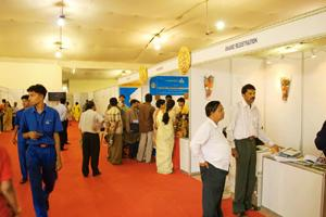 Crunch time: A file photo of a job fair conducted by ministry of labour. The ministry estimates half a million jobs were lost in Dec quarter. Hemant Mishra / Mint