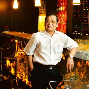 Restaurateur Nelson Wang says people are spending much less money at restaurants and are instead drinking and dining at local gymkhanas.