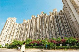Slowdown effect: DLF's residential building, Hamilton Court in Gurgaon. The firm has cut prices of its Chennai apartments by 10-18%. Harikrishna Katragadda / Mint