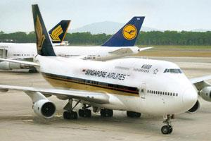 Fee matters: Singapore Airlines is among the 16 carriers that have stopped paying commission to India's travel agents. Munshi Ahmed / Bloomberg