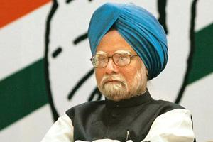 Poll heat: Manmohan Singh in Mumbai on Monday. Singh and L.K. Advani traded barbs in separate press conferences. Rajanish Karkare / AP