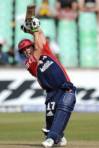 AB de Villiers played the perfect Twenty20 innings to set up Delhi Daredevils. AFP