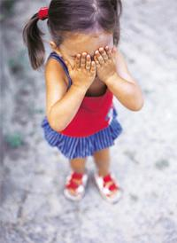 Fear factor: 'Stranger anxiety' is common among toddlers. CONCEPTUALPICTURES.COM