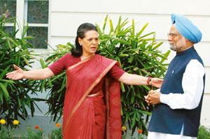 Winning combination: UPA chairperson Sonia Gandhi with Prime Minister Manmohan Singh after the results were annnounced on Saturday.  PTI