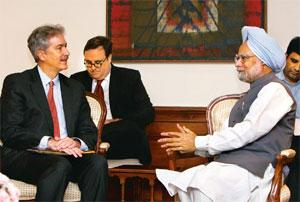Security issues: US undersecretary of state William Burns (left) meets Prime Minister Manmohan Singh in New Delhi on Thursday. Gurinder Osan / AP