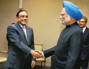 No breakthrough: Prime Minister Manmohan Singh (right) with Pakistan President Asif Ali Zardari in Yekaterinburg, Russia, on Tuesday. It's their first meeting since the Mumbai attacks. Kamal Kishore /
