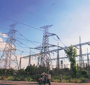 Growth goal: India is lagging far behind China in adding new power generation capacity. Ramesh Pathania / Mint.