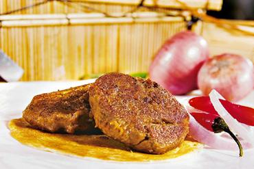 Roadside feast: In Lucknow, the galauti kebab is considered street food. Hindustan Times