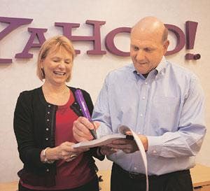 Losing sheen?Microsoft chief Steven A. Ballmer (right) and his counterpart at Yahoo, Carol Bartz, sign an agreement for partnership in Internet search and advertising at Yahoo headquarters in Sunnyval
