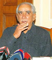 Different take: Jaswant Singh at a press conference after his expulsion from the Bharatiya Janata Party in Shimla on Wednesday. PTI