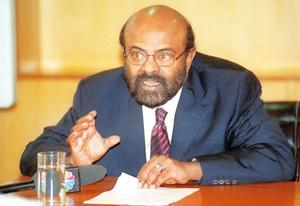 Larger picture: Shiv Nadar, chairman, HCL Technologies. The number of customers at HCL increased by 14 to 367 between April and June. Sanjeev Verma / HindustanTimes