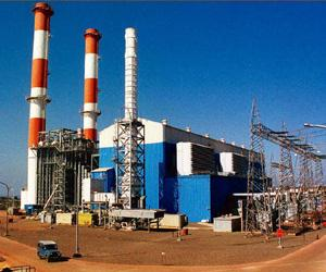 Power play: The Dabhol power station. The bids being called for are for the use of 1 mt of the terminal's capacity between next month and May. Photograph: AFP.