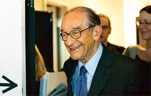 Wait and watch: Former Federal Reserve chairman Alan Greenspan. Andrew Harrer / Bloomberg