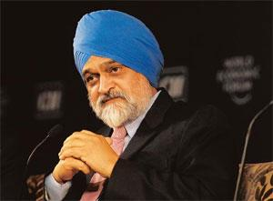 Narrowing it: Planning Commission deputy chairman Montek Singh Ahluwalia at the summit. He said inadequate infrastructure was the most important constraint to growth. Rajkumar / Mint