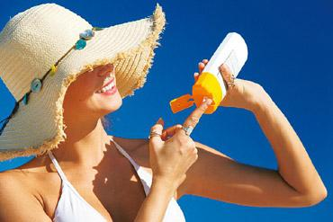 Apply liberally: Sunscreen doesn't increase melanoma risk.