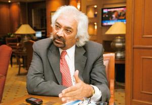 Wait over? Sam Pitroda, an adviser to the PM. Delays in opening 3G bidding has fuelled uncertainty about the start of the service. Ramesh Pathania / Mint
