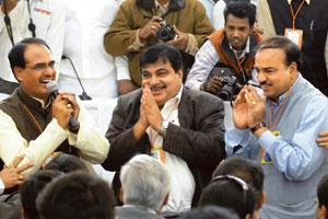 Towards moderation: A 19 Feburary photo of BJP national president Nitin Gadkari (centre) with party leaders Ananth Kumar (right) and Shivraj Singh Chauhan during the party's national executive meet in